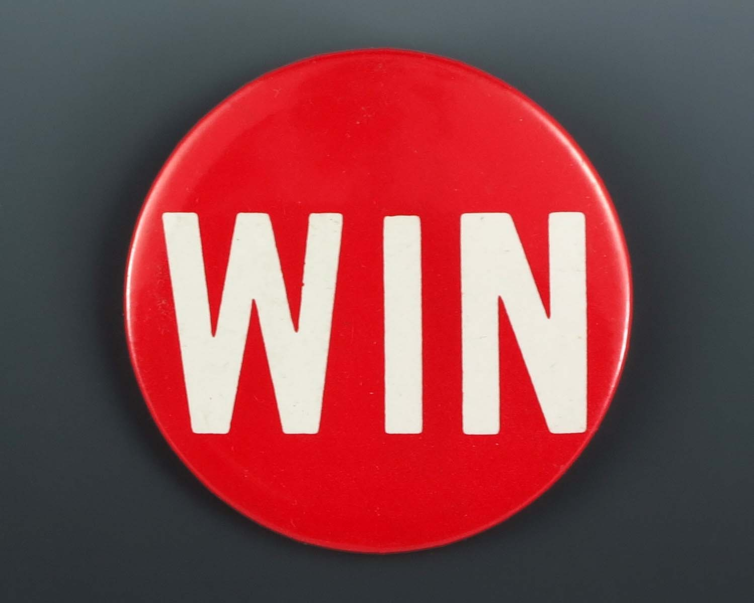 red win button